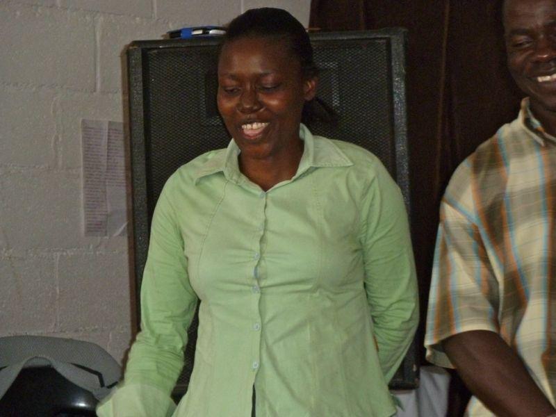 We zijn heel blij met zr. Khumalo. Zij is herstellende van een lange slepende ziekte.