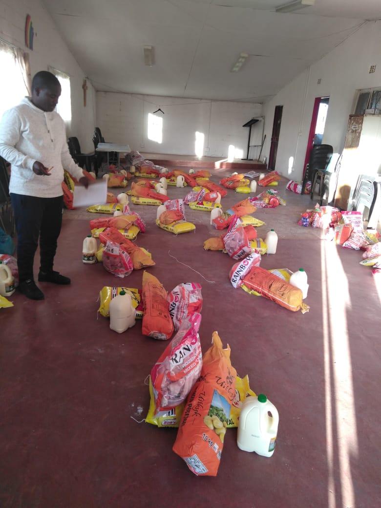 voedselpakketten maken